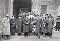 Esküvői csoportkép, 1948 Budapest. Fortepan 104771.jpg