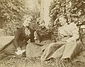 Ethel Mars with her mother and aunt c.1898.jpg