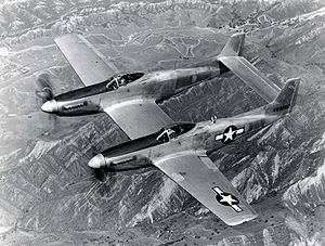 Me 323: gros porteur allemand 300px-F82_twin_mustang