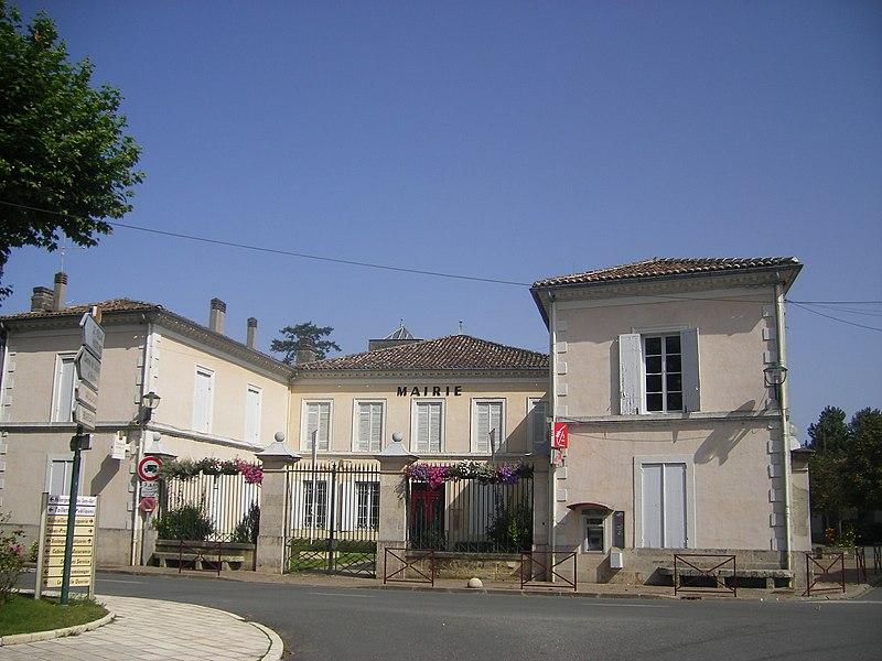St. Symphorien, town hall