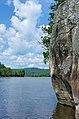 Falaise le long de la rivière Du Lièvre - panoramio.jpg