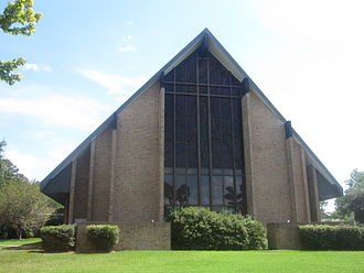 Mansfield, Louisiana - The First Baptist Church of Mansfield is located at 1710 McArthur Drive (U.S. Highway 84).