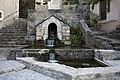 Fondamente-Bassin de la fontaine de l'église-20120624.jpg