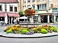 Fontaine fleurie à Remiremont.jpg