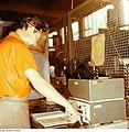 Fotothek df n-15 0000212 Facharbeiter für Sintererzeugnisse.jpg