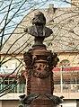 Frankfurt Stoltzeplatz Stoltze-Denkmal.Büste.20130306.jpg
