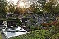 Friedhof in Klein-Winternheim-Gräber 02.jpg