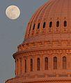 Full moon over the US Capitol.jpg