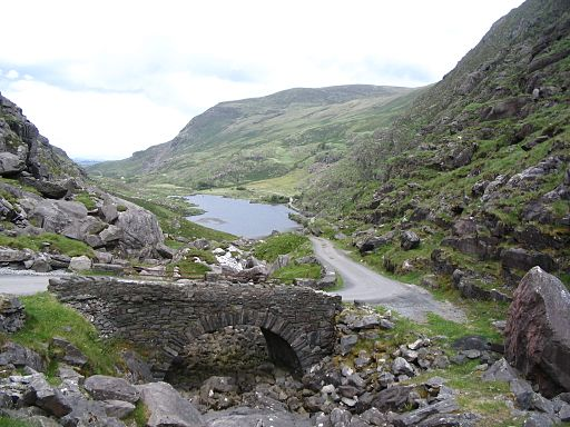 Gap of Dunloe Auger Lake depuis le col