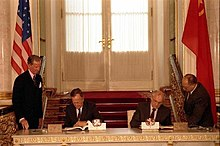 George Bush and Mikhail Gorbachev sign the START 1991.jpg
