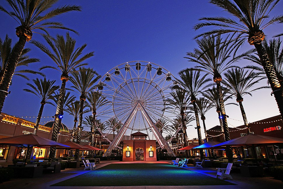 Giant Wheel at Irvine Spectrum Center