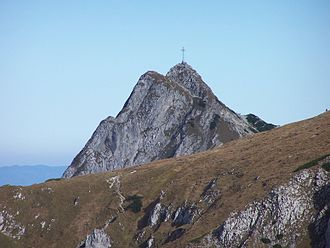 https://upload.wikimedia.org/wikipedia/commons/thumb/f/fb/Giewont_a2.jpg/330px-Giewont_a2.jpg