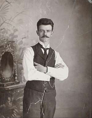 Guillermo Kahlo - Guillermo Kahlo in 1920