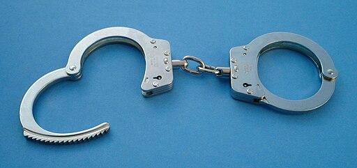 Handcuffs01 2003-06-02