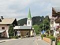 Hochfilzen, Katholische Pfarrkirche Unsere Liebe Frau Maria Schnee in straatzicht Dm64081 2012-08-08 11.00.jpg