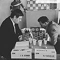 IBM schaaktoernooi, Donner in actie tegen Joegoslaaf Karaklavic, Bestanddeelnr 917-9909.jpg