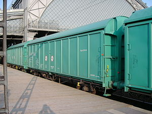 Covered goods wagon - Hbillns sliding-wall wagon in the green livery of the ITL railway (equivalent to the DB's Hbillns302).