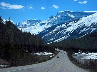Alberta Highway 93 - Image: Icefields Parkway 01