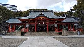 Ikuta-jinja-Haiden.jpg