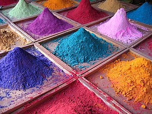 English: Pigments for sale on market stall, Go...