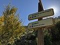 Indicaciones de senderos (44251949974).jpg