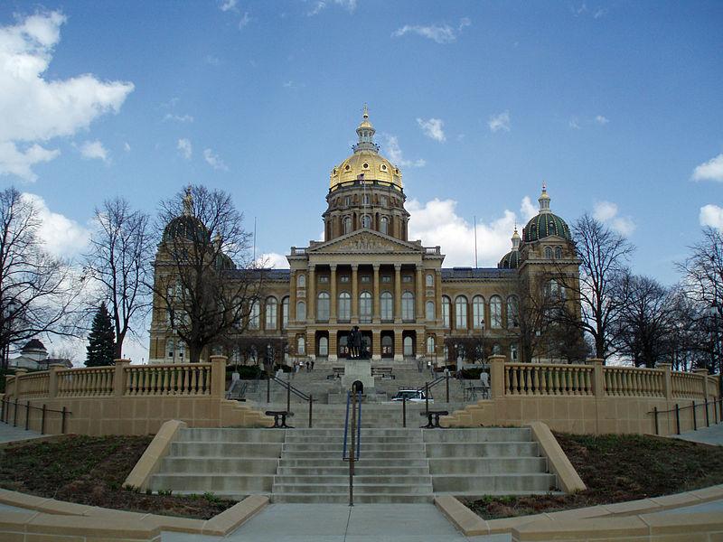 File:Iowa State Capitol April 2010.jpg