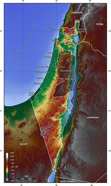 a map of Israel, showing water in blue, low-lying land in green, mountains in brown, and land in between in yellow.