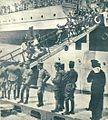 Izkrcavanje ranjenccv z italijanske bolniške ladje.jpg