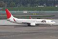 JAL B737-800(JA301J) (4591297929).jpg