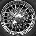 Jaguar wheel - Flickr - exfordy.jpg