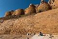 Jaisalmer-Citadel-02-Weaked retaining wall-20131010.jpg