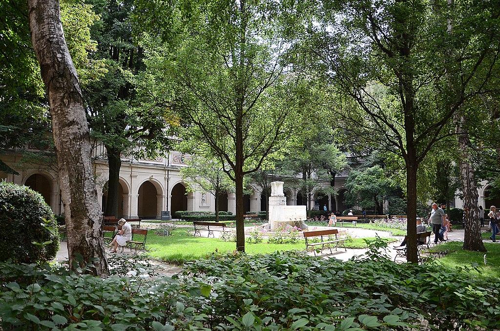 Jardin du Palais Saint Pierre à Lyon, un oasis dans la ville.