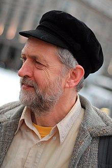 Jeremy Corbyn wearing a corduroy fiddler cap. 73134b402ff