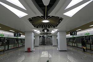 江锦路站站台