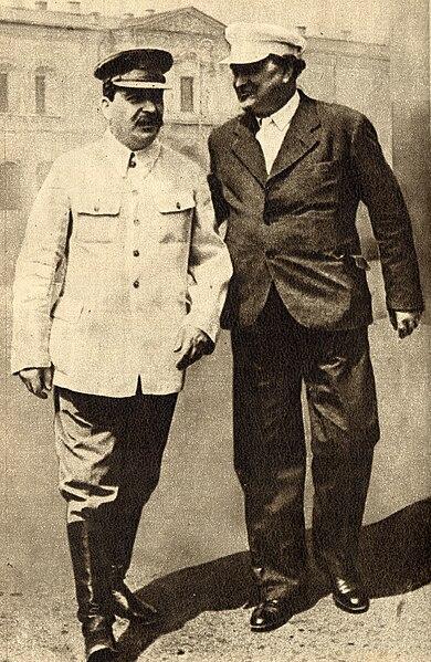 Georgi Dimitrov, padre del frente único antifascista  390px-Joseph_Stalin_and_Georgi_Dimitrov%2C_1936