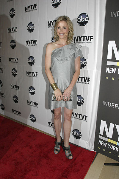 File:Julie Bowen at NYTVF.jpg