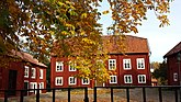Fil:Köpings prostgård i höstfärger.jpg