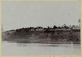 KITLV - 25789 - Demmeni, J. - Batu Sala, Upper Mahakam, Central Borneo. Left the house of the Longglathoofdman pairs Dalong - 1896-1897.tif