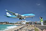 KLM landing at SXM, Maho Beach, St Maarten, Oct 2014 (15137314913).jpg