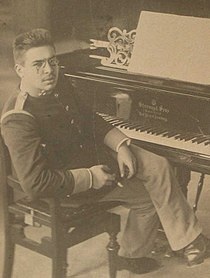 Kestenberg at piano 1905.jpg