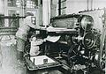 Kinderarbeid in drukkerij (ca.1900).jpg
