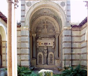 Pietro d'Abano - Apse with his sarcophagus.