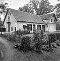 Koetshuis, linker zij- en achtergevel - Arnhem - 20025106 - RCE.jpg
