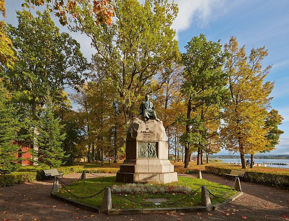 Kreutzwaldi monument Võrus 2013 09