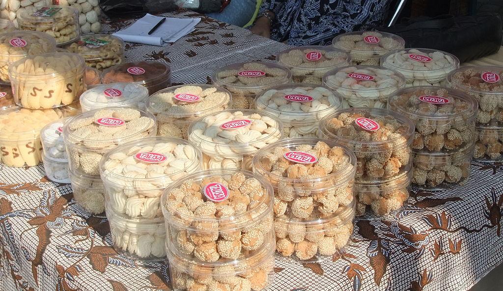 Kue kering bazar Ramadhan Semarang