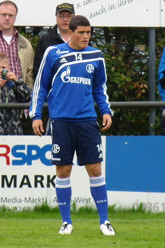 Kyriakos Papadopoulos - Papadopoulos training at Schalke 04 in 2010.