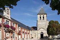 L136 - Lagny-sur-Marne - Abbatiale et Hotel de ville.JPG