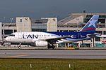 LAN HC-CPJ A319 Taxi MIA 5752 (31270542824).jpg