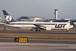 LOT Boeing 767-300 SP-LPB (6663689641).jpg