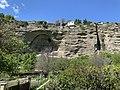La falaise d'Embrun depuis le Chemin sous le Roc.jpg